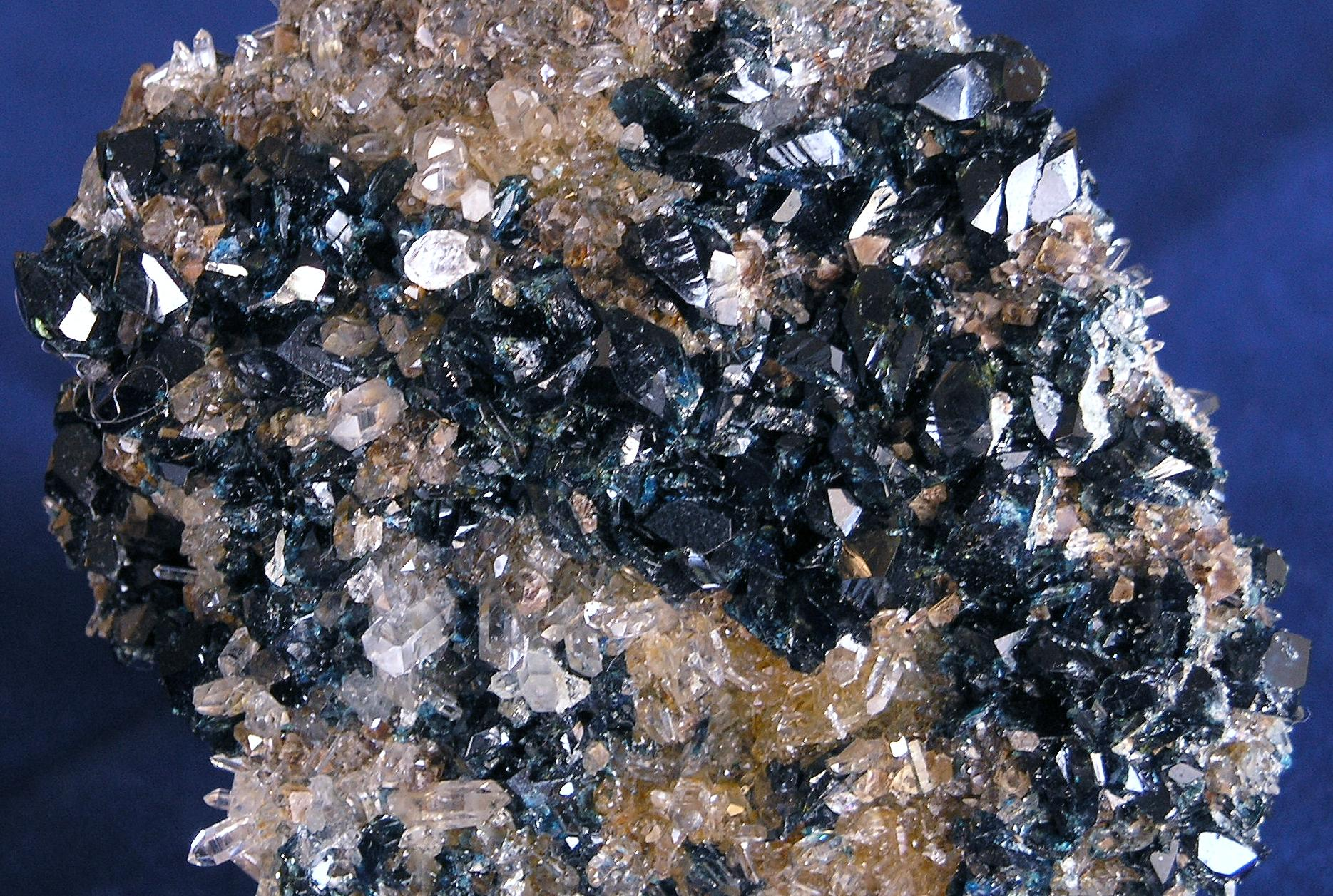 LAZULITE, Quartz, Rapid Creek,Yukon, Canada – 001