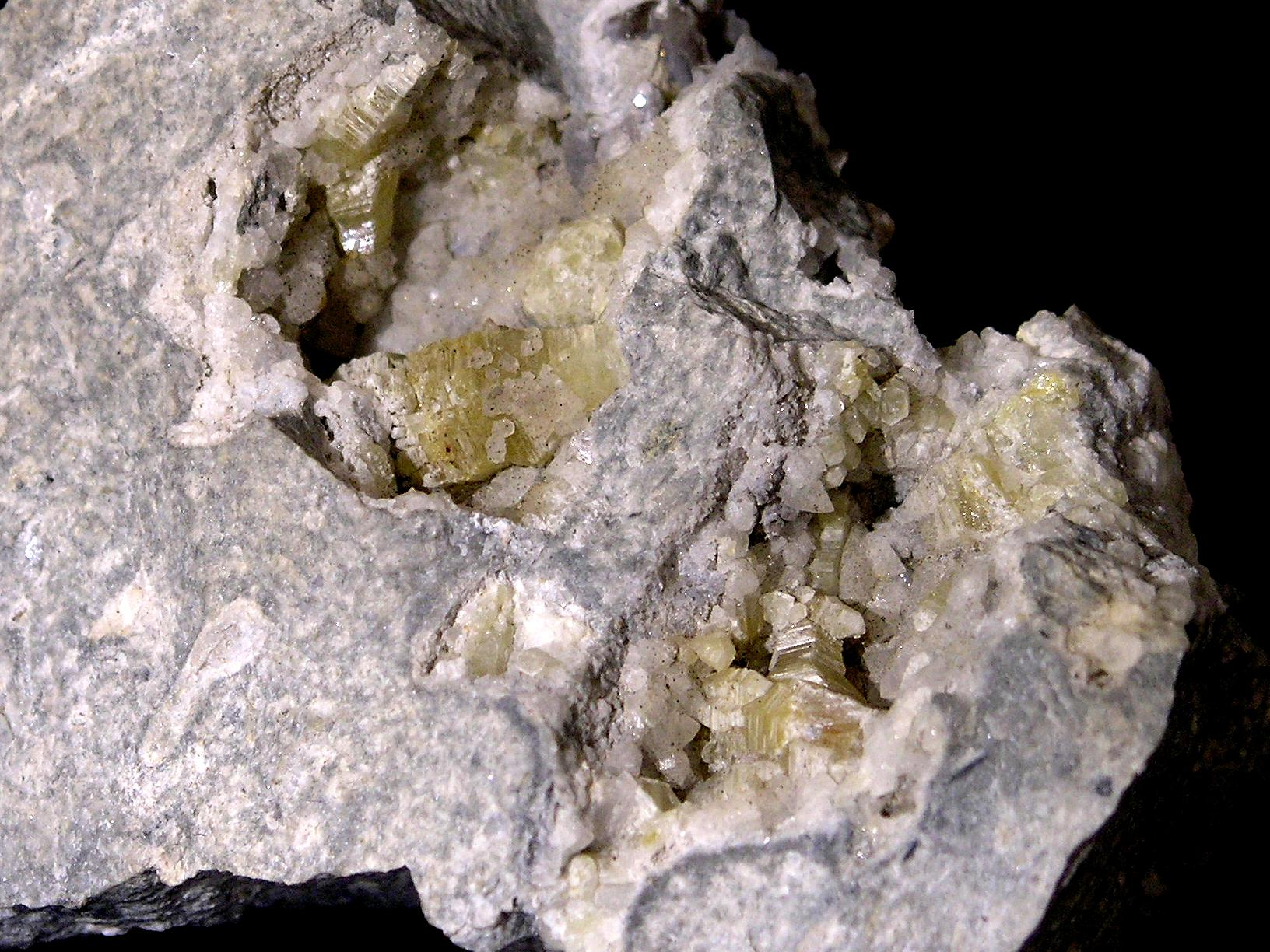 Weloganite Francon Quarry Montreal Quebec – 005