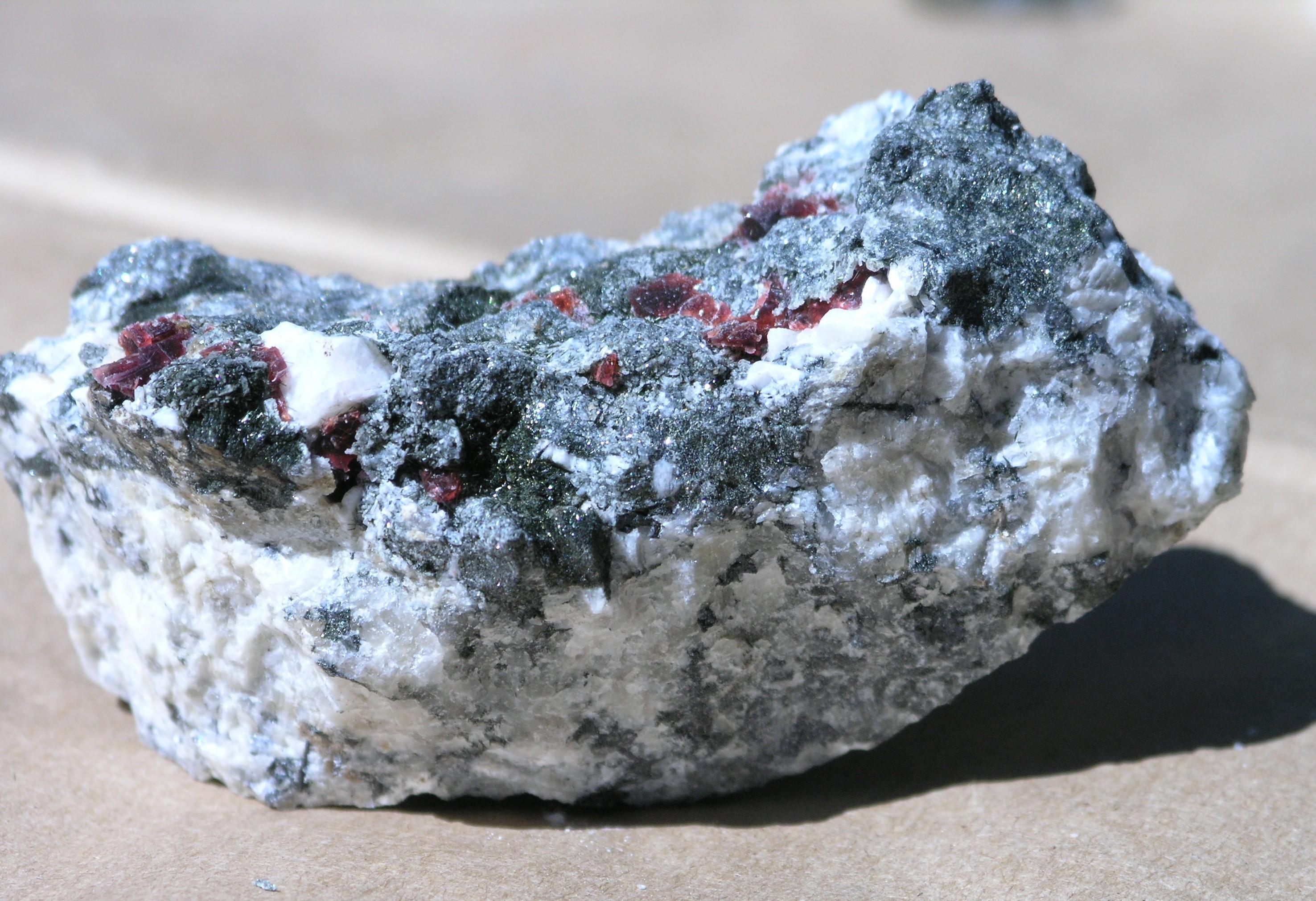 Villiaumite Fine  specimen mineral Mont Saint Hilaire, Quebec - 001