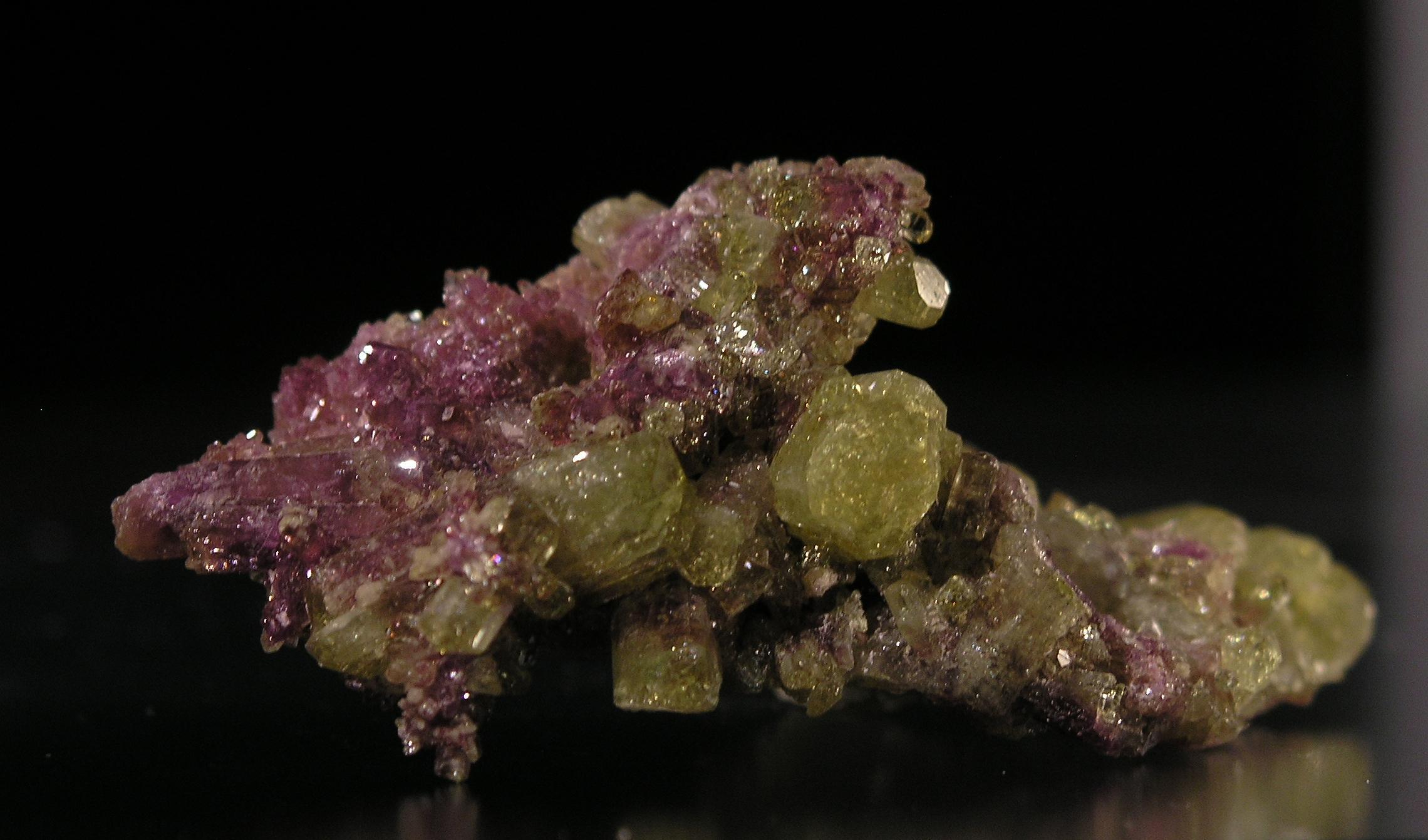 Vesuvianite from Jeffrey Mine, Asbestos, Quebec 002