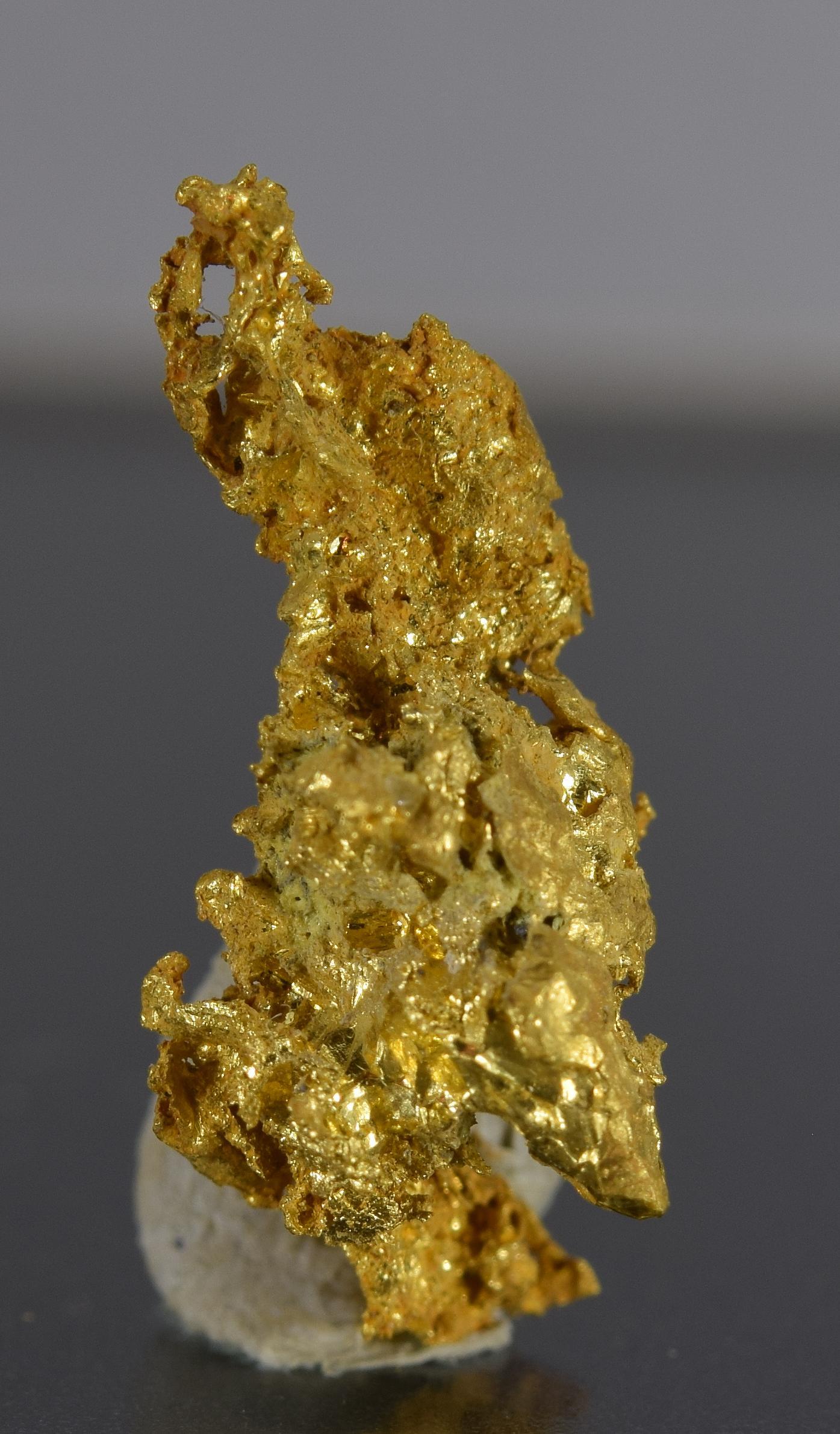 Gold fine mineral specimen new locality -019